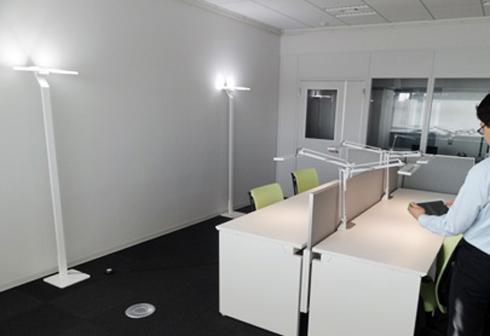 タスク&アンビエント照明で調光制御