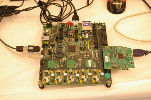 実デバイスとしては国内で初披露された話題の「Zynq-7000 EPP」
