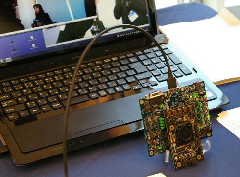 USB 3.0デバイスコントローラ専用チップの「EZ-USB FX3」