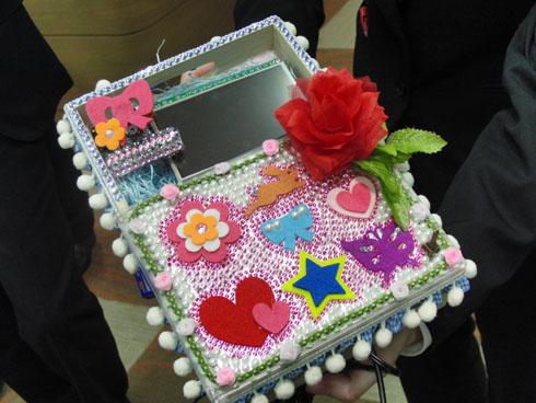 九州職業能力開発大学校のチーム「さくらじまどん」が考案した「盛り写メアップローダー」