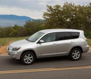 トヨタ自動車の「RAV4 EV」