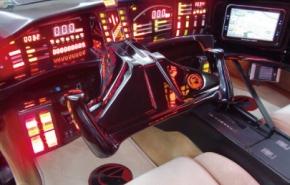 「ナイト2000EV」の運転席