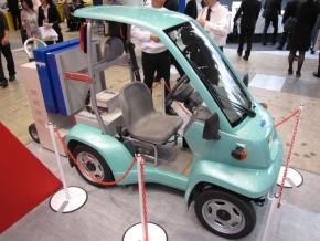 ワイヤレス充電器を搭載する電気自動車