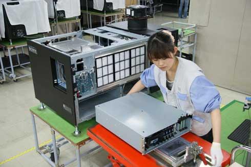 SRX-R320へのサーバ組み込み作業