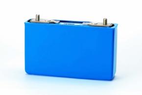 三菱自動車のEV「i-MiEV」の角型電池セル