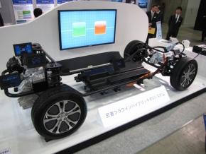 三菱自動車のプラグインハイブリッドEVシステム