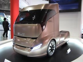 いすゞ自動車の次世代トラック「T-NEXT」のミニチュア