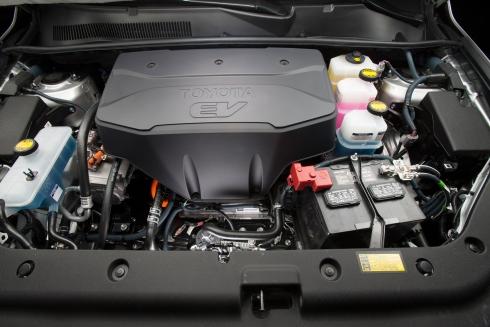 「RAV4 EV」のエンジンルーム