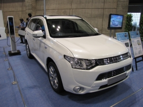sp_121005ceatec_cars_05.jpg