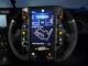 無限のGTレースカー、ステアリングのど真ん中にWindowsシステムを搭載
