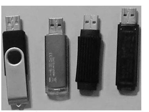 図1 USB メモリ
