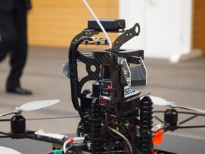 小型飛行監視ロボット3