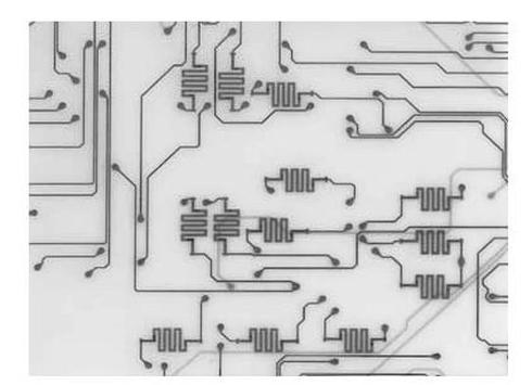 図3 MCM-C セラミック基板に印刷抵抗