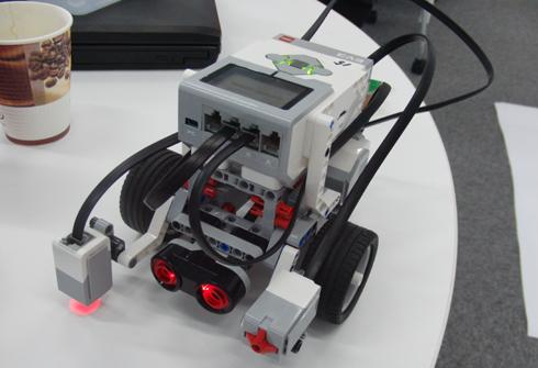超音波センサーを追加した教育版 EV3