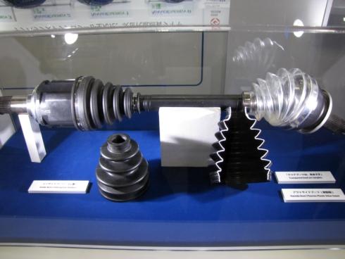 東洋ゴム工業が展示した等速ジョイントブーツ