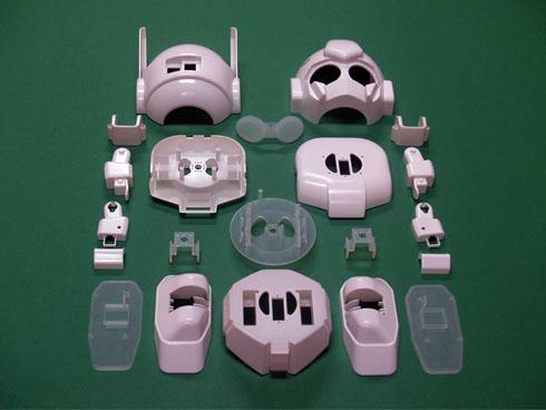 「RAPIRO(ラピロ)」のFacebookページに公開されていたプラスチック部品の写真