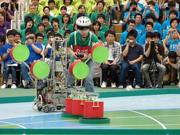 東京大学チームの手動ロボ