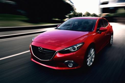 新型「Mazda3」の走行イメージ
