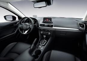 新型「Mazda3」のインテリア