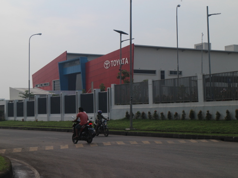 インドネシアの工場風景
