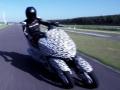 ヤマハ発動機の三輪バイク「Leaning Multi Wheel(LMW)」