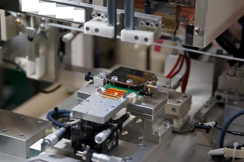 コネクタレス接続用のカスタム治具