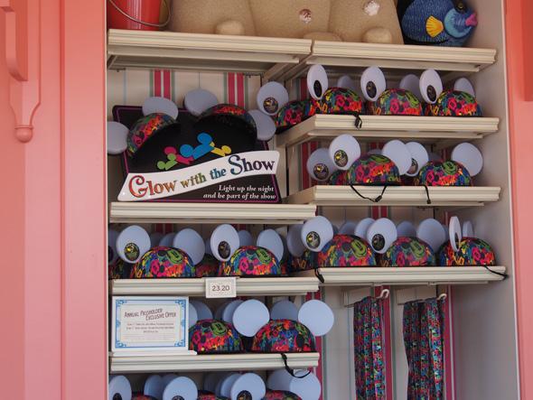 ディズニーのテーマパークで販売されているイヤーハット