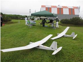 小型無人飛行機の外観