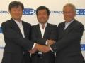 左から、日本マイクロソフトの加治佐俊一氏、ZMPの谷口恒氏、JVCケンウッドの河原春郎氏