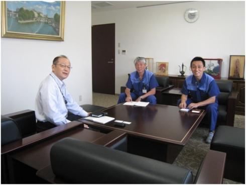 左から、筆者、北陽電機の森利宏氏、川田浩彦氏