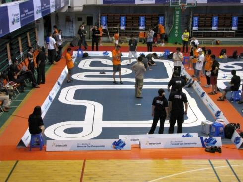 フリースケール・カップ世界大会の練習トラック