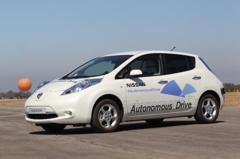 「リーフ」に自動運転技術を組み込んだ試作車