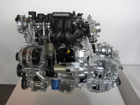 新型「フィット」の排気量1.3lエンジンとCVT