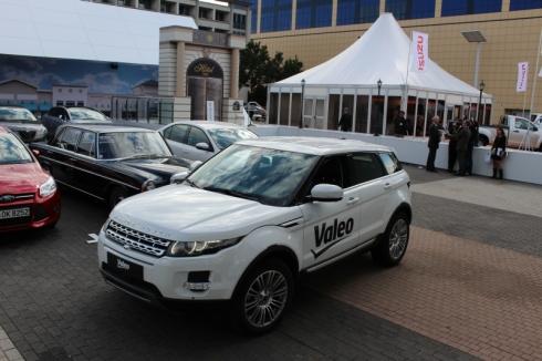 ヴァレオの自動駐車システムのデモンストレーション