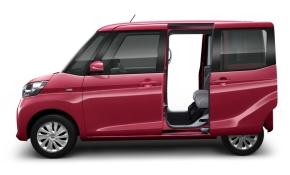 「DAYZ ROOX」、「eKスペース」とも後席両側スライドドアを採用