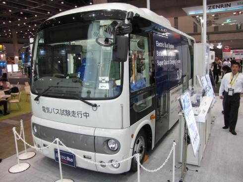 「SCiB」を搭載する電気バス