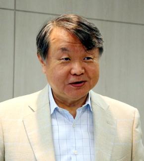 経営コンサルタントで中央大学大学院特任教授である松原恭司郎氏
