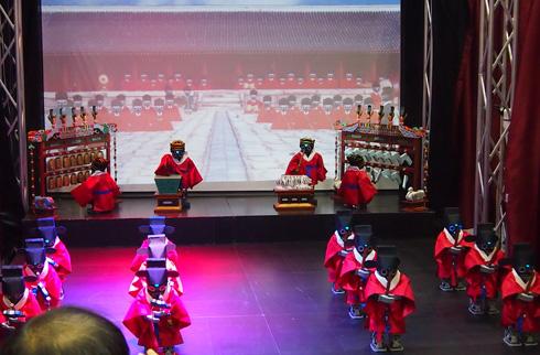 韓国伝統公演芸術振興財団