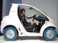 第2世代「エアフリーコンセプト」を使用した超小型EV「コムス」