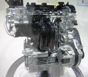 開発中の排気量1.0lの「デュアルジェット エンジン」