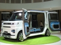 「東京モーターショー2013」で公開したコンセプトカー「DECA DECA」