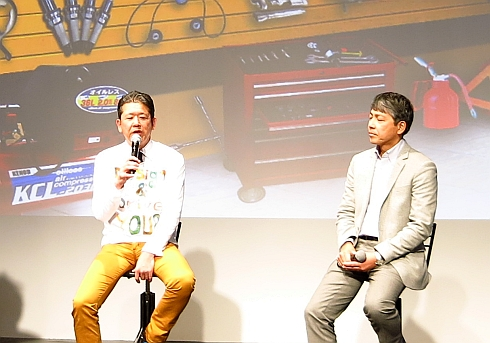 トークショーに登壇したKOPEN開発責任者の藤下修氏(左)と和田氏