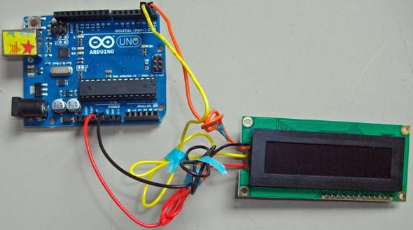 送信線、受信線と電源を接続するだけ