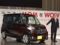 日産自動車の「デイズ ルークス」と同社副社長の片桐隆夫氏