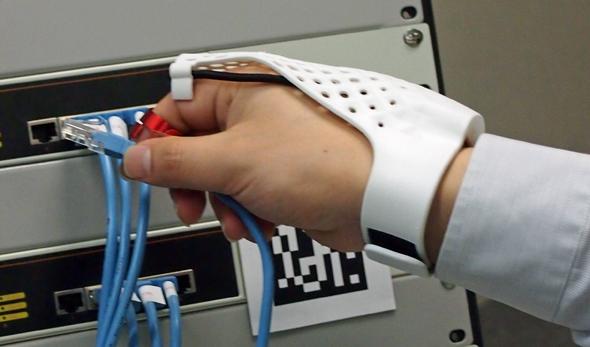 グローブ型ウェアラブルデバイス