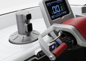 蓄熱式簡易クーラーの吹き出し口はダッシュボード中央に設置