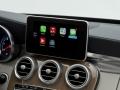 ダイムラーが「ジュネーブモーターショー2014」で披露している「CarPlay」対応車載情報機器