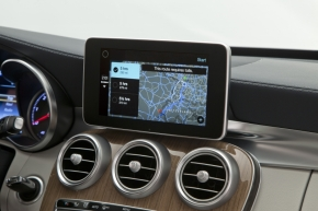 sp_130314geneva_carplay_04.jpg