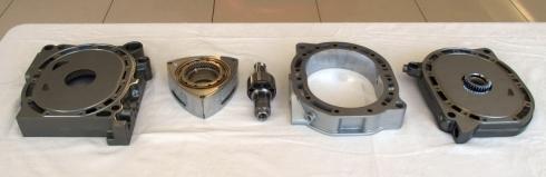 新開発のロータリーエンジンの構成部品