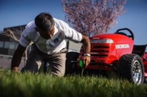 芝刈り機なのでちゃんと芝も刈れます